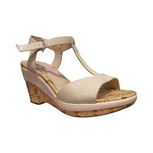 f8862359c132 sandale pied nu fugitive talon compense beige