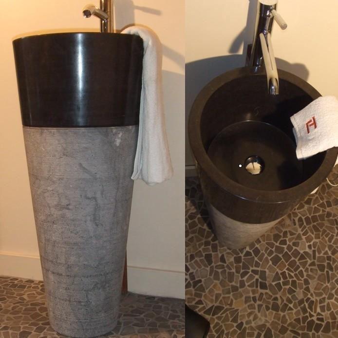 vasque sur pied tidore en pierre naturelle noire achat vente lavabo vasque vasque sur pied. Black Bedroom Furniture Sets. Home Design Ideas