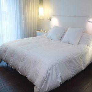 couette duvet 240x220 achat vente couette duvet 240x220 pas cher soldes cdiscount. Black Bedroom Furniture Sets. Home Design Ideas