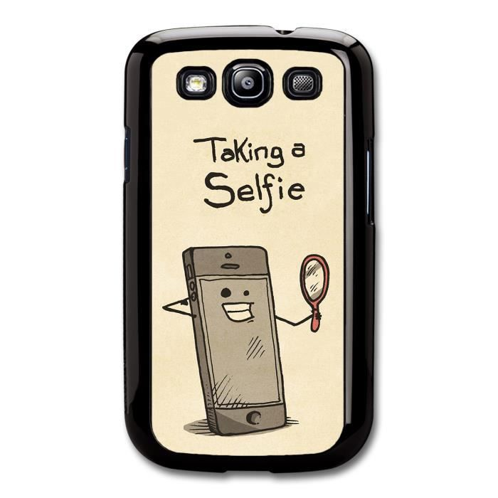 Smartphone Taking a Selfie with Mirror Funny Illustration ...