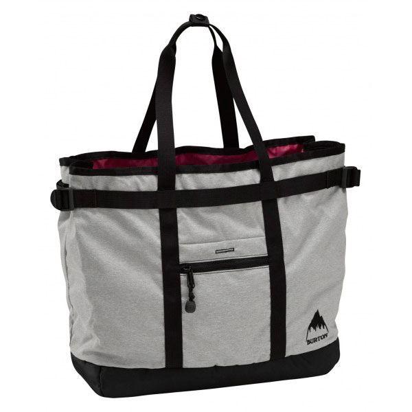 Hauteur des anses depuis le bord supérieur du sac: 13 cm. Format utile: 28 cm de largeur x 25 cm de hauteur (si le sac est fermé avec son zip) x 12 cm d'épaisseur à sa base (7 cm dans la partie supérieure si le sac est fermé avec son zip).