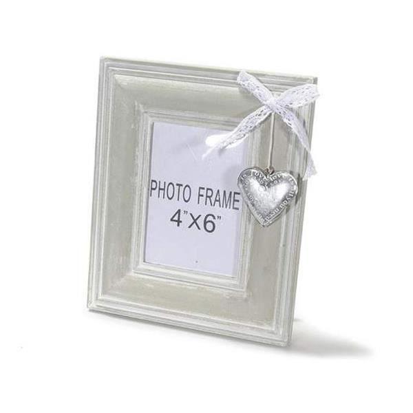 cadre photos en bois avec dentelle et coeur en metal d coratifs achat vente cadre photo. Black Bedroom Furniture Sets. Home Design Ideas