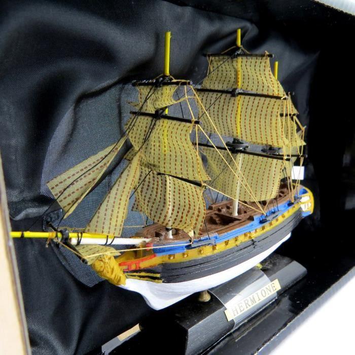 maquette bateau l 39 hermione achat vente bateau sous marin cdiscount. Black Bedroom Furniture Sets. Home Design Ideas