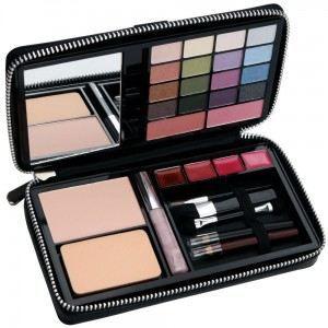 palette de maquillage 32 pcs achat vente palette de. Black Bedroom Furniture Sets. Home Design Ideas