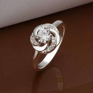 Grosse bague faux diamant