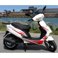 SCOOTER SCOOTER NEUF GRANDES ROUES MOTEUR 4 TEMPS BLANC