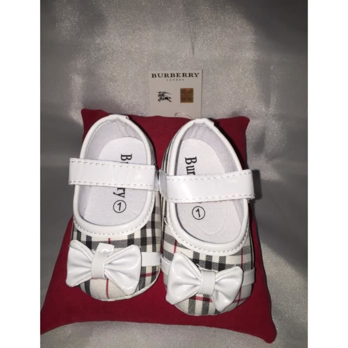 chaussure burberry b b fille 9 12 mois neuf achat. Black Bedroom Furniture Sets. Home Design Ideas