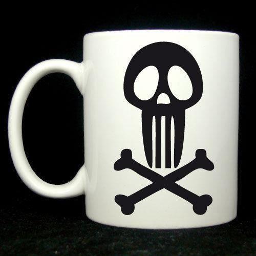 mug blanc skull pirate logo rouge passe au lave vaisselle et micro ondes pour les bikers et. Black Bedroom Furniture Sets. Home Design Ideas