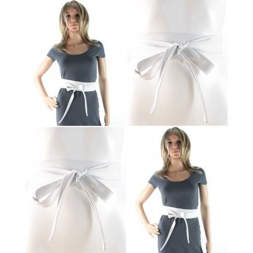 Vignette photos de femmes en ceintures