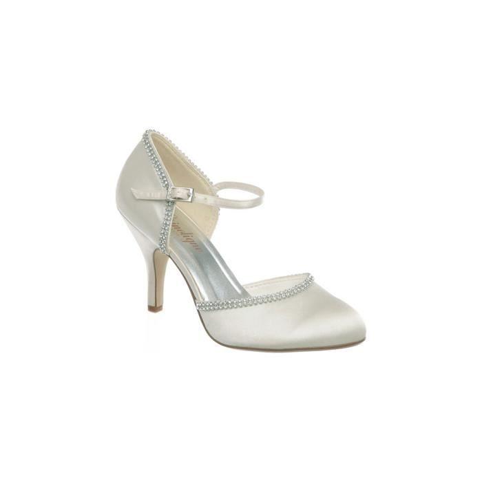 chaussures couleur blanche ou iv achat vente escarpin chaussures couleur blanche. Black Bedroom Furniture Sets. Home Design Ideas