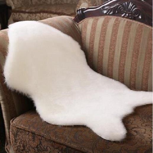 tapis imitation peau de bete achat vente tapis imitation peau de bete pas cher cdiscount. Black Bedroom Furniture Sets. Home Design Ideas