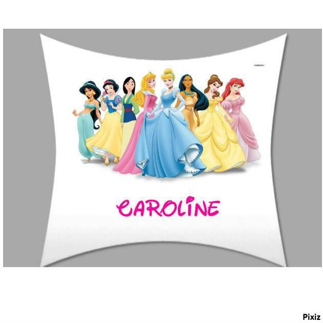 coussin oreiller personnalise prenom 50 x 50 cm disney princesses neuf achat vente coussin. Black Bedroom Furniture Sets. Home Design Ideas