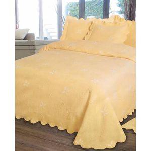 couvre lit jaune achat vente couvre lit jaune pas cher. Black Bedroom Furniture Sets. Home Design Ideas