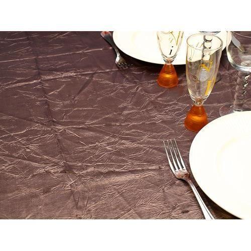 tache vin nappe nappe anti tches carreaux bleu appritif au vin rouge un invit a tach la. Black Bedroom Furniture Sets. Home Design Ideas