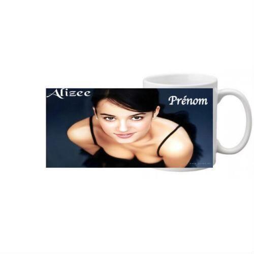 superbe mug ceramique personnalise alizee prenom neuf achat vente bol mug mazagran. Black Bedroom Furniture Sets. Home Design Ideas