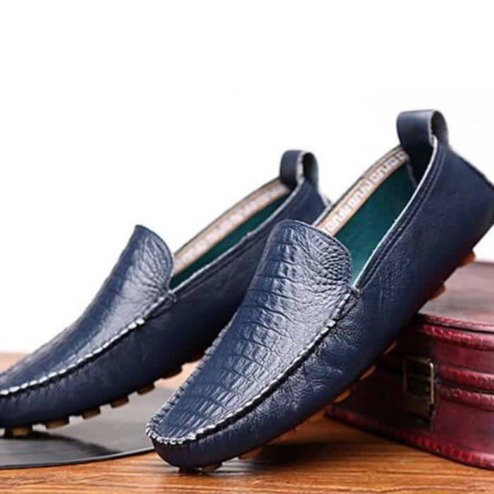 Le mocassin ethnique est pour la plupart confectionné avec du cuir de veau velours. Le mocassin loafer souvent fait de cuir épais est le type de chaussures que vous voudriez porter pour un évènement qui nécessite un style vestimentaire habillé.