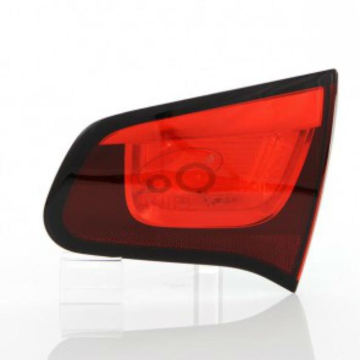 feu arriere gauche sur hayon citroen c3 annee 11 2009 03 2013 achat vente phares optiques. Black Bedroom Furniture Sets. Home Design Ideas