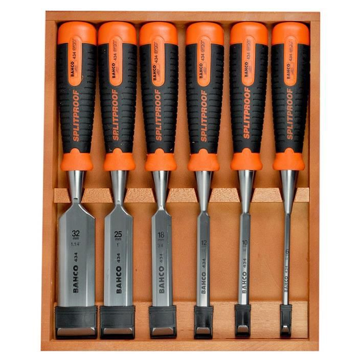 Cuisine moderne un set de 9 couteaux also un set de 9 - Set de couteaux de cuisine professionnel ...