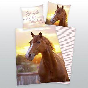 parure de lit cheval achat vente parure de lit cheval pas cher les soldes sur cdiscount. Black Bedroom Furniture Sets. Home Design Ideas