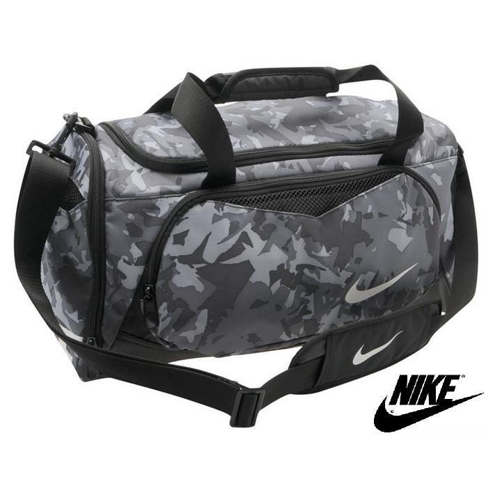 sac de sport nike fourre tout gym l50 cm x h23 cm x p25 cm prix pas cher cdiscount. Black Bedroom Furniture Sets. Home Design Ideas