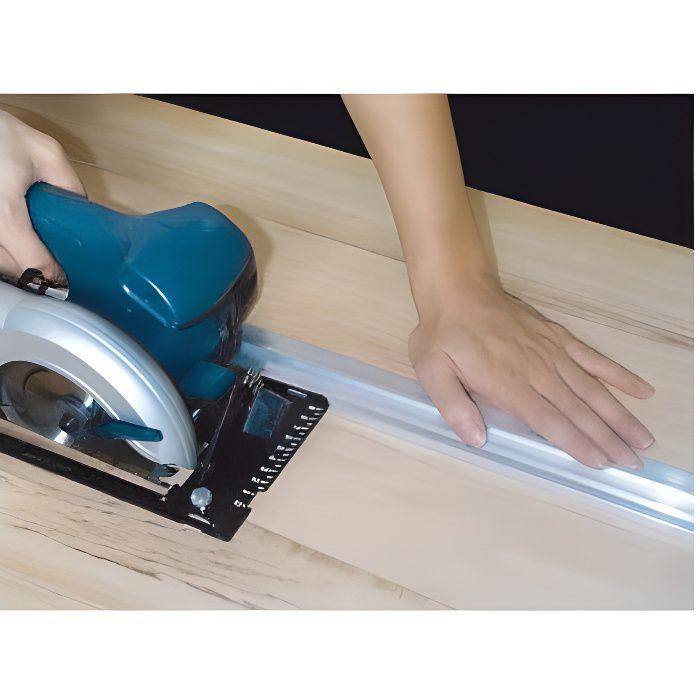 Guide Pour Scie Circulaire : guide de coupe pour scies circulaires portatives et ~ Dailycaller-alerts.com Idées de Décoration