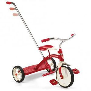 TRICYCLE Tricycle rouge avec sa canne.