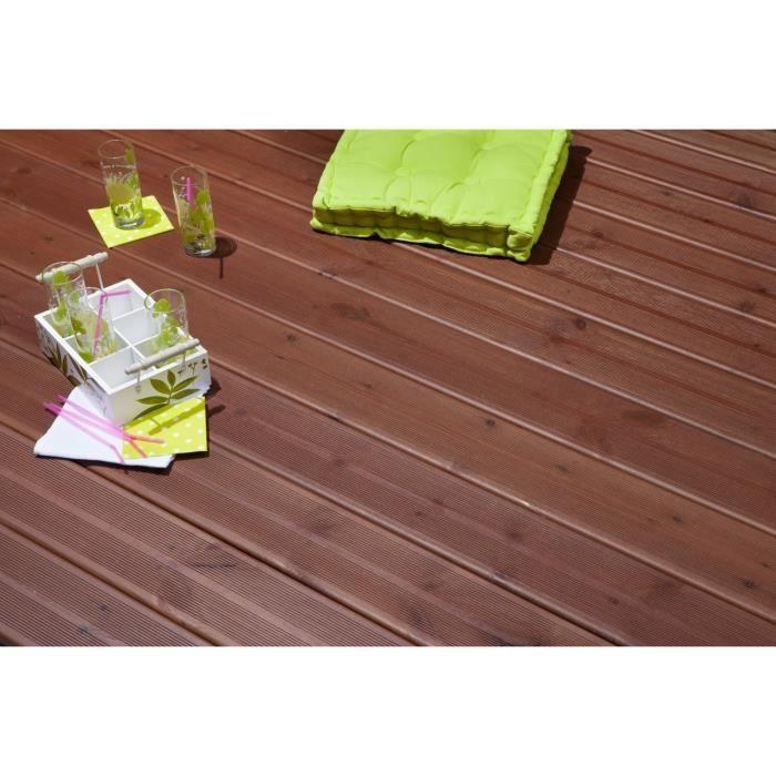 Kit 40m2 terrasse bois trait iv marron avec lambourde for Amenager jardin 40m2