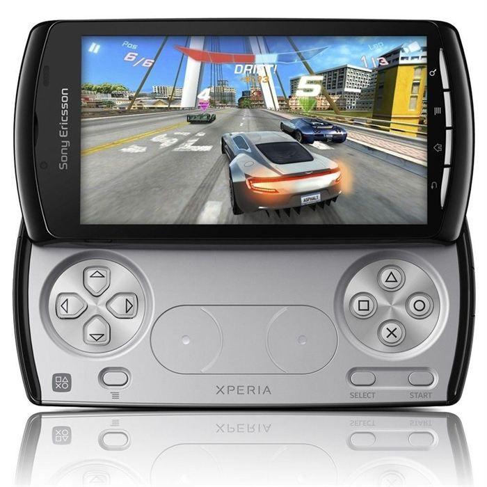 SMARTPHONE Sony Ericsson XPERIA PLAY + Chargeur de bureau DK3