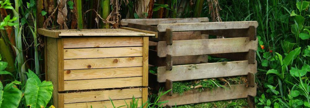 bon silo à compost dans le jardin