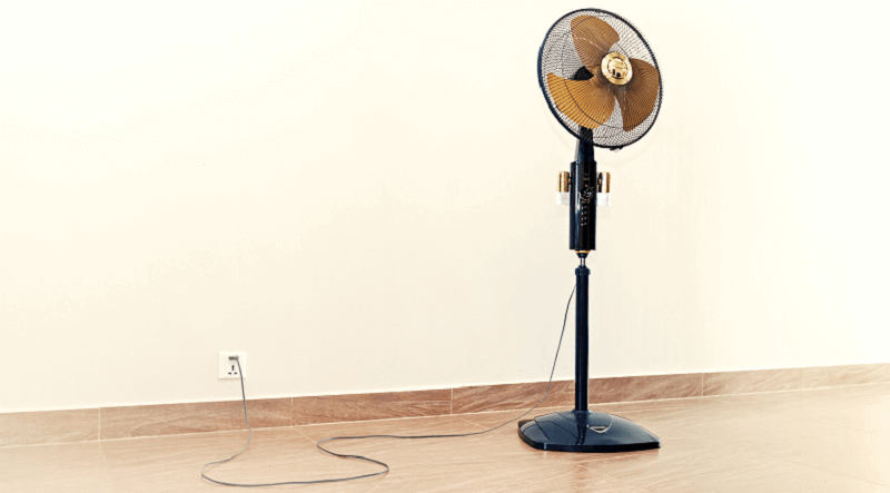 Le ventilateur sur pied