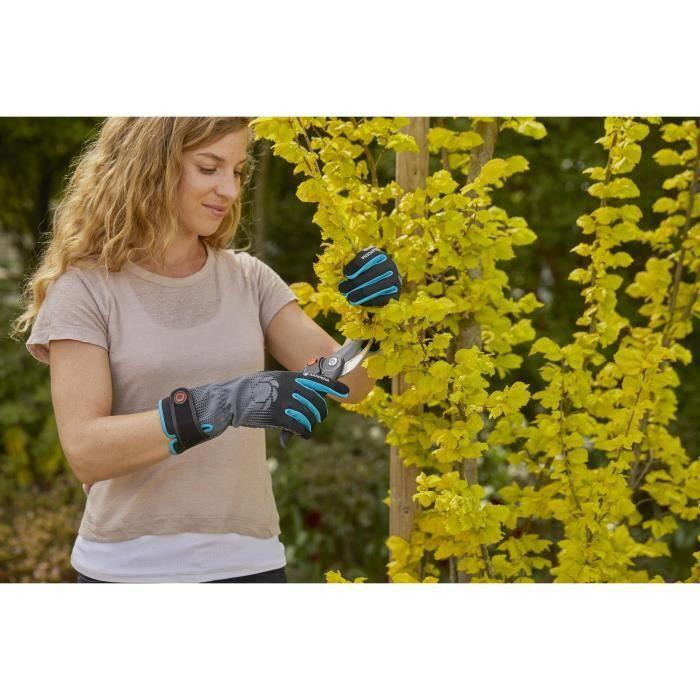 GARDENA Gants de jardin pour arbustes & épineux – Taille M/8 – Fabrication imperméable – Protection certifiée oeko-Tex – (11530-20)