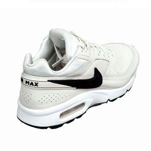 8485044a5e0fa Chaussures Femme Nike - Achat   Vente Nike pas cher - Soldes  dès le ...
