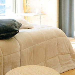 COUVERTURE - PLAID Couvre lit matelassé microfibre 100% polyester 230
