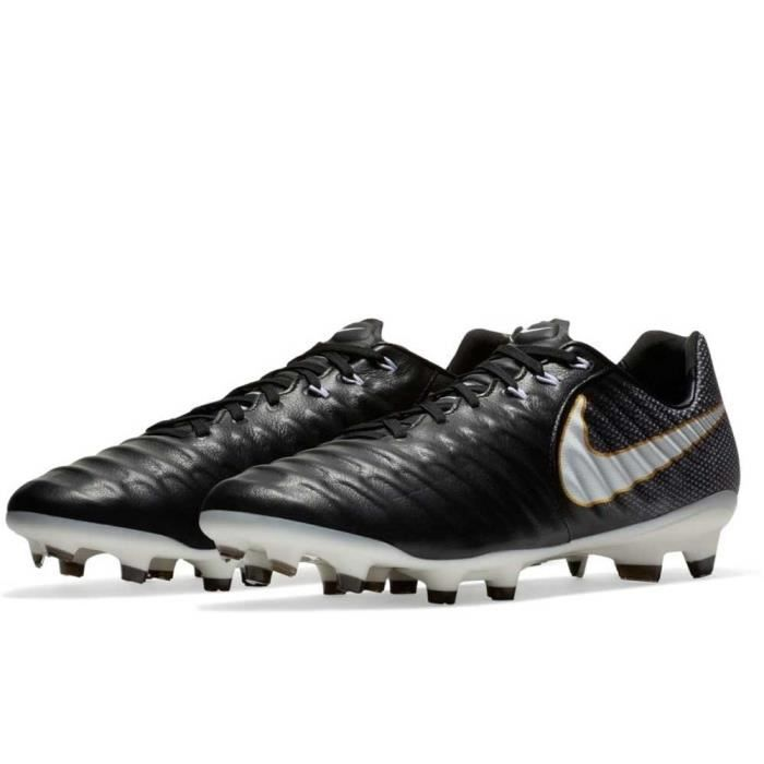 low priced 16e87 ad09d Chaussure de foot nike tiempo