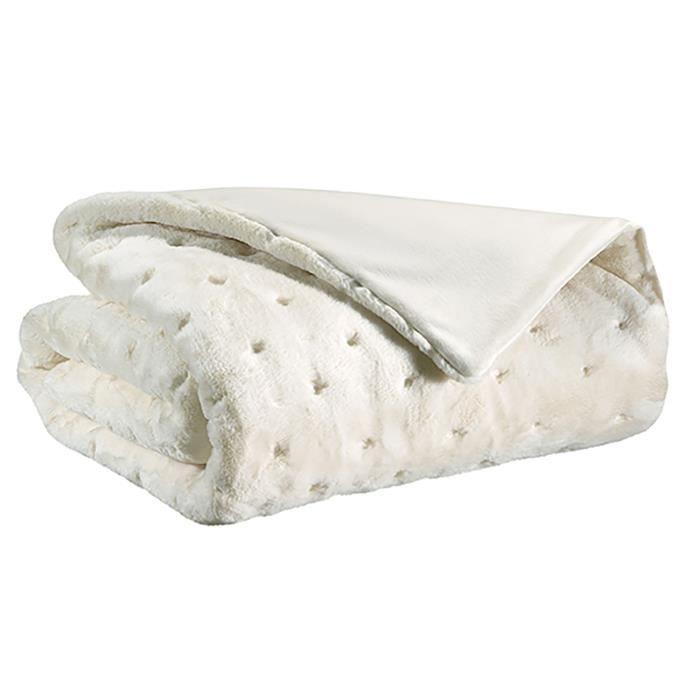 dessus de lit fourrure synthtique great jet de lit en fausse fourrure blanc with dessus de lit. Black Bedroom Furniture Sets. Home Design Ideas