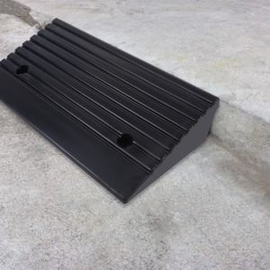 RAMPE POUR CHARGEMENT 2pcs Rampes de frein en caoutchouc portables pour