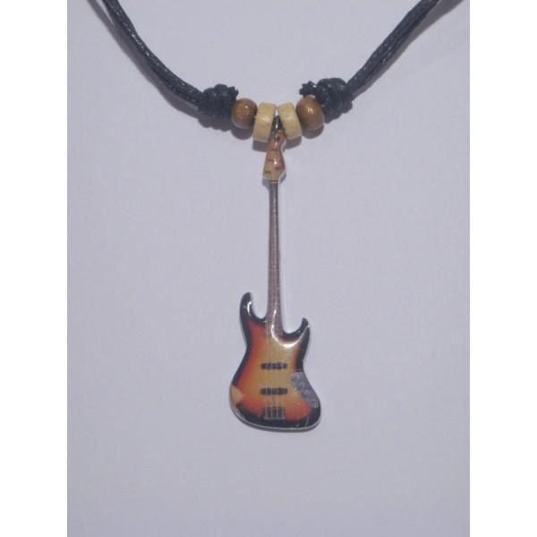 Pendentif en forme de guitare