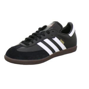 CHAUSSURES DE FOOTBALL Le classique des chaussures de sport de la collect