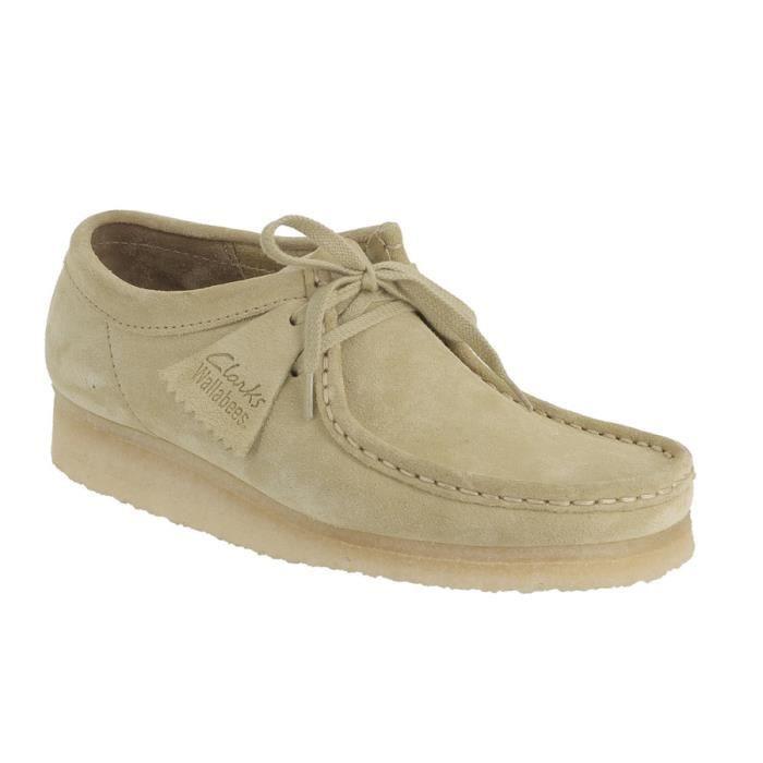 ff12c50dca6 Chaussures Clarks originals Wallabee en daim pour homme. Beige ...