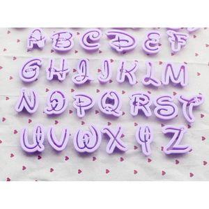 USTENSILES DECORATION  Assortiment de 26 Emportes Pièces Lettres Alphabet