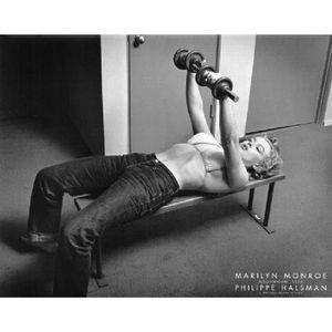 AFFICHE - POSTER Photo noir et blanc de Marilyn Monroe (Musculation