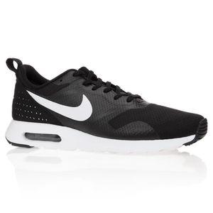 Nike Air Max Tavas, Chaussures de Running Homme, Noir (Black/White), 44 EU