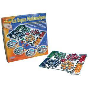 Un jeu original de stratégie et de calcul, o? il faut combiner, par opérations de calcul, les chiffres inscrits sur les dés pour déposer les bagues sur le nombre correspondant de sa zone de jeu. Le premier joueur qui dépose toutes ses bagues remporte la p