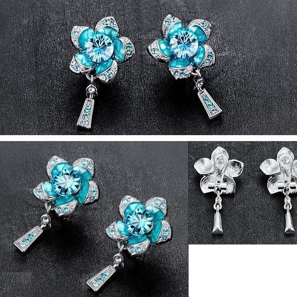 Boucles doreilles Fleur Bleue en Cristal de Swarovski Elements et Plaqué Rhodium