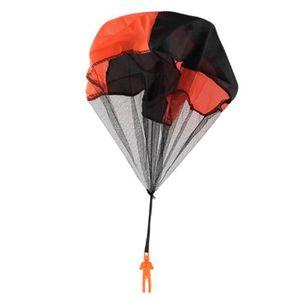 TABLE JOUET D'ACTIVITÉ Enfants jetant le jouet de vol en parachute Jouet