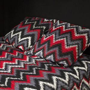 PAVILLON D'INTERIEUR Couvre-lit ethnique Paola 180x220 cm + 1 taie d'oreiller 65x65 cm rouge et noir