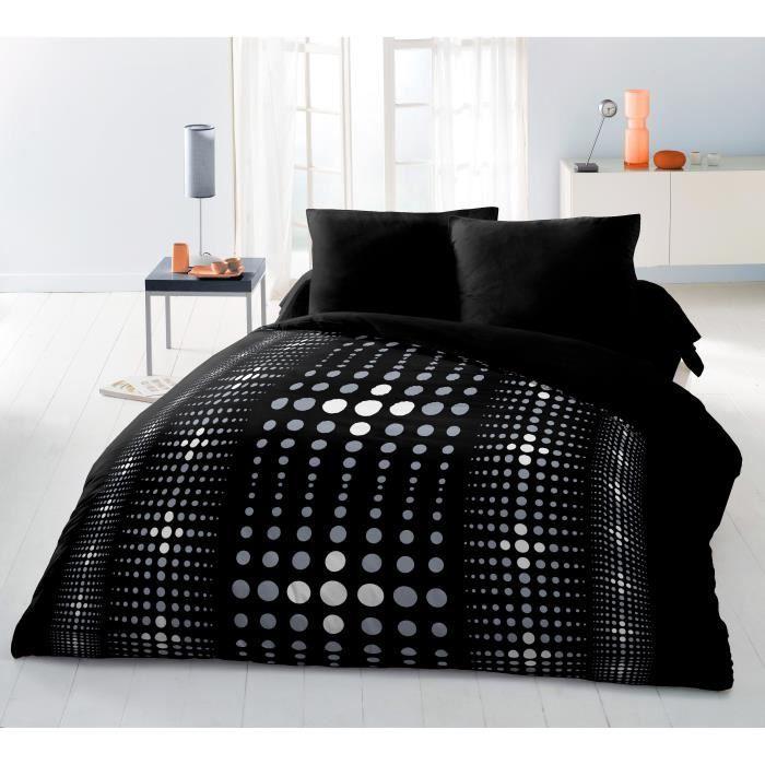Composition : 100% polyester - Housse de couette : 220x240cm - Taies d'oreillers : 63x63cm - Coloris : Noir - Laver séparément à 30°PARURE DE COUETTE