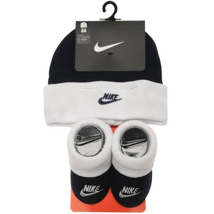 ea06b8fe8fa0f Ensemble vêtement Nike Air Max Bébé Bonnet et Chaussons marine et blanc