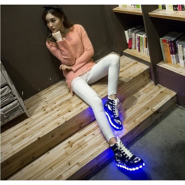 HGH-top femmes LED clignotantes Sneakers Chauss...