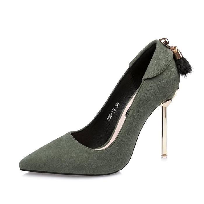 Chaussure escarpins femme talon aiguille bout pointu rouge verni